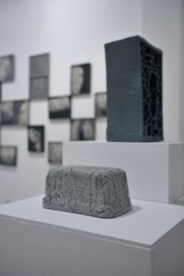 Esben Klemann - sans titre - béton - Galerie Maria Lund - vue expo migrations
