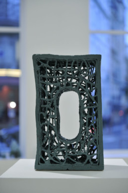 Esben Klemann - sans titre - céramique - vert - Galerie Maria Lund - vue expo migrations